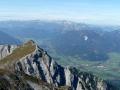 Blick über den Kalbling in den Talkessel von Admont. Im Hintergrund das Tote Gebirge