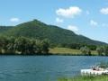Neue Donau mit Leopoldsberg