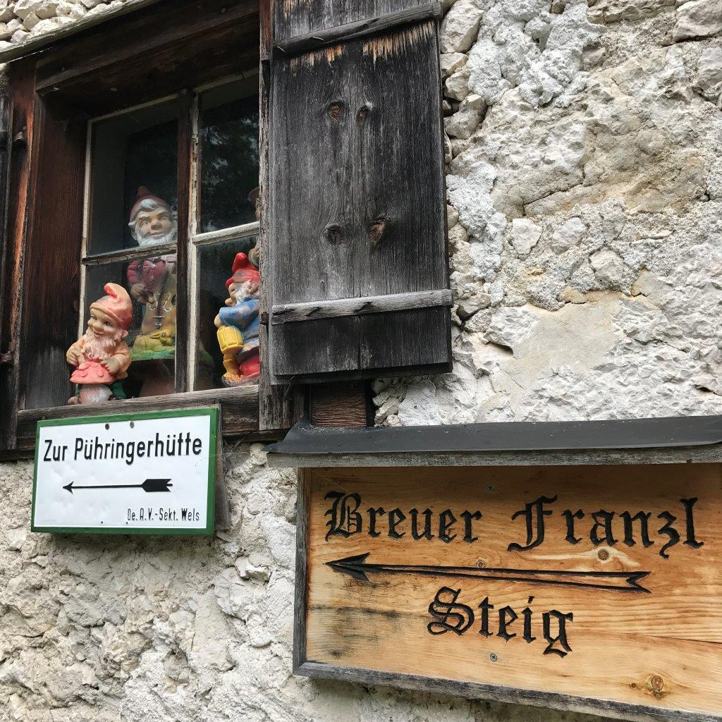 Wegweiser Pühringerhütte in Gößl