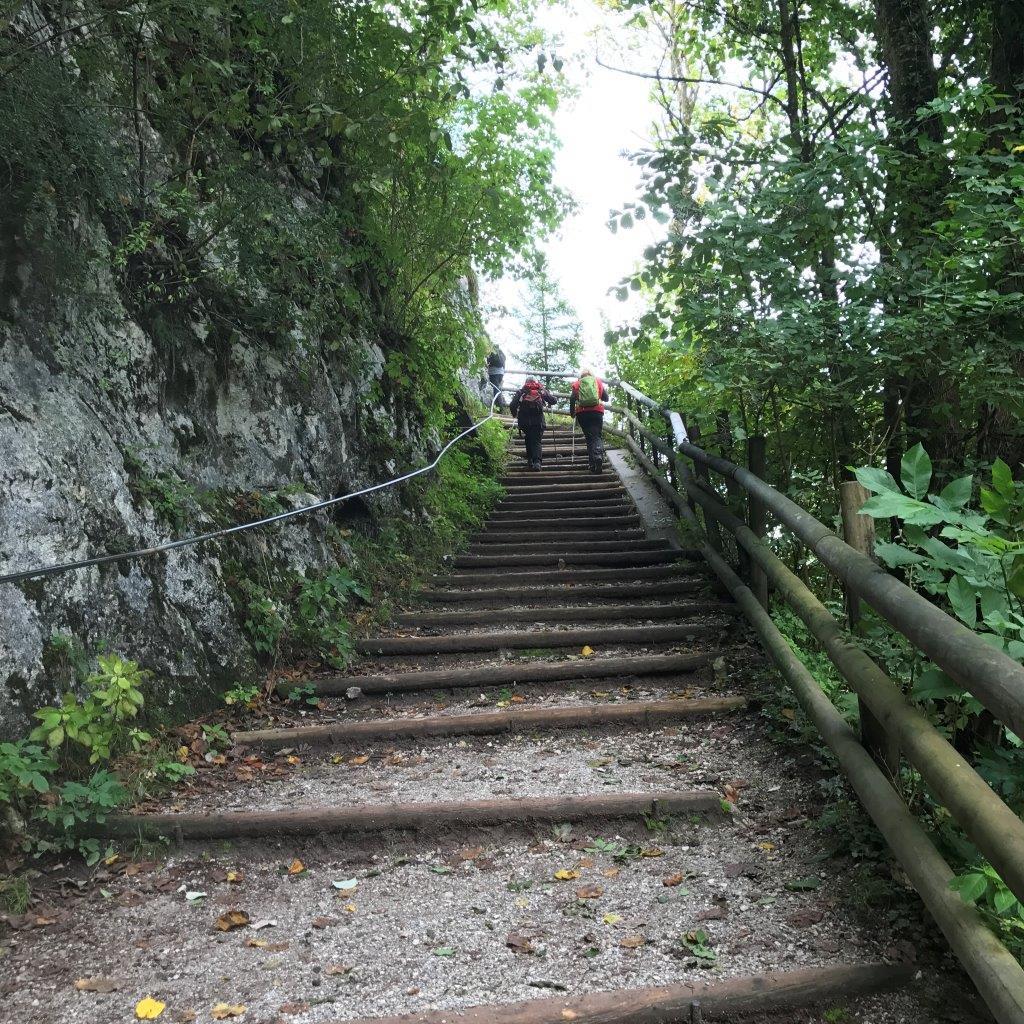 Anstieg vom Parkplatz Kaisertal ins Kaisertal