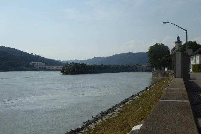 Persenbeug mit Donaukraftwerk