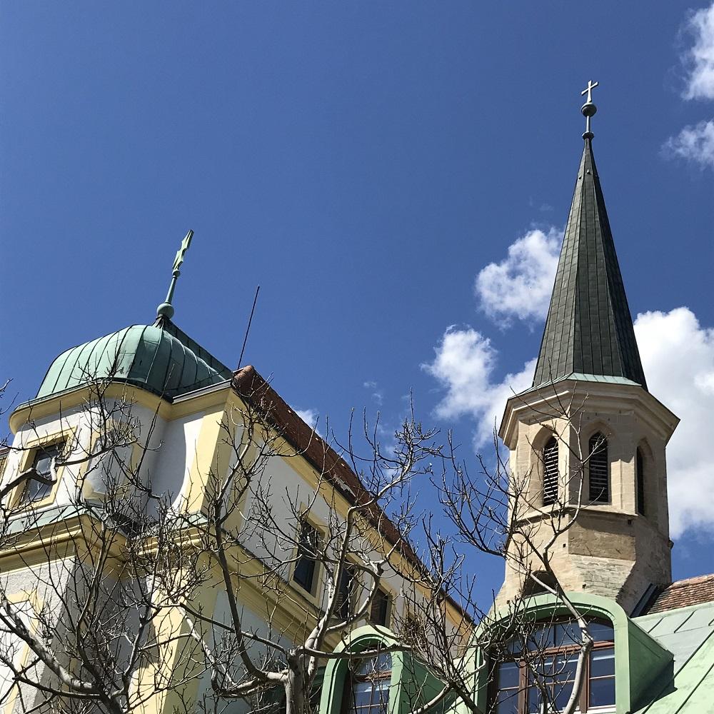 Gumpoldskirchen - Kirche und Schloss der Deutschordensritter