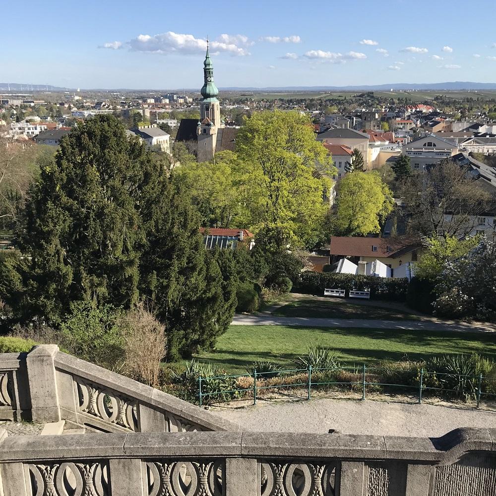 Blick vom Beethoventempel auf den Kurpark