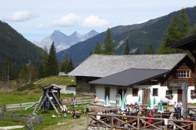 Vögeialm mit Dachstein