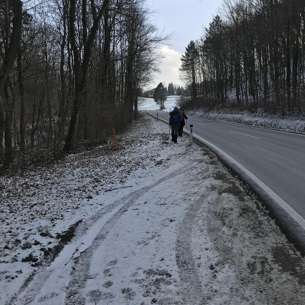 Straße nach Hernstein