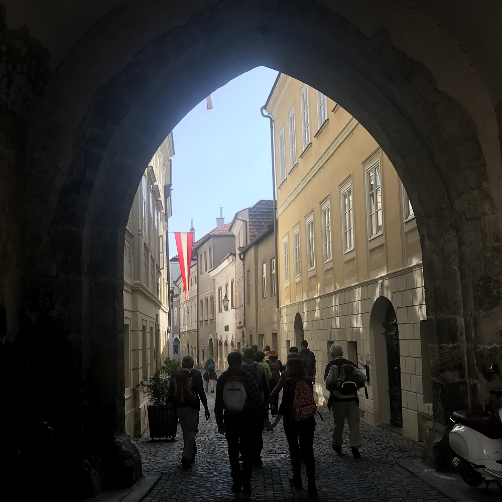 Durch das Linzertor in die Altstadt von Stein