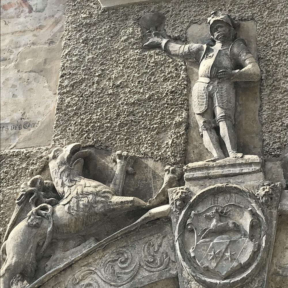 Hausrelief in der Altstadt