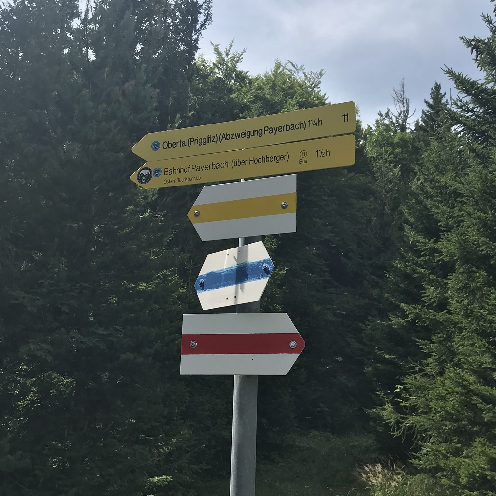 Blaue Markierung Richtung Payerbach
