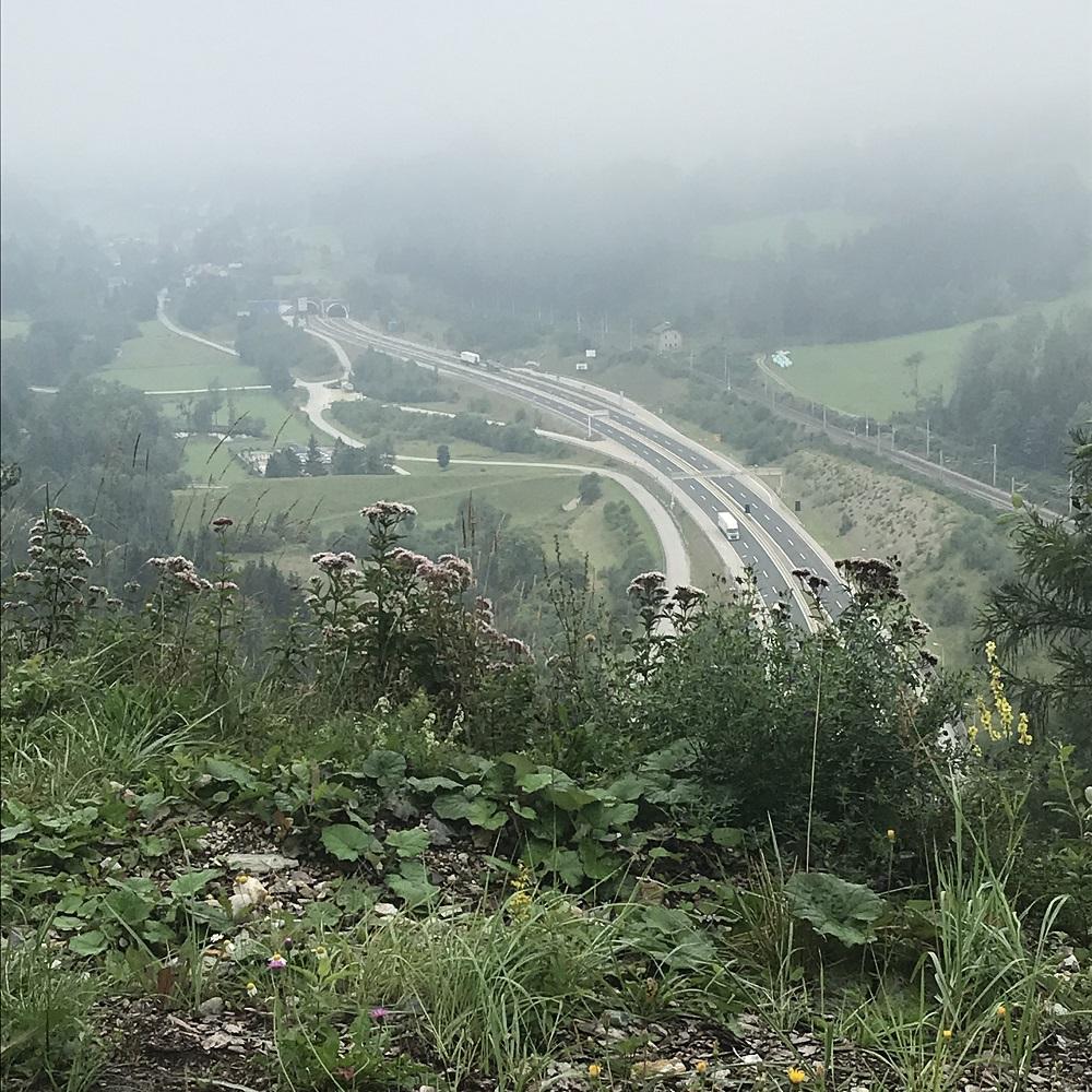 Blick zur Semmering-Schneelstraße in der Steiermark