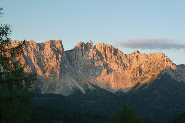 Bergtour-vom-Karerpass-auf-die-Latemarspitze