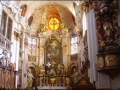 Der barocke Hauptaltar der Stiftskirche