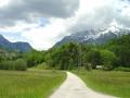 Gröbming mit dem Stoderzinken. Vor hier kann man ins steirische Salzkammergut zur Grimming-Umrundung starten. Entweder auf der Alpentour-Route über Bad Mitterndorf nach Wörschach oder auf der alten Straße über den Paß Stein