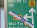 Rad-Wegweiser zur tschechischen Grenze
